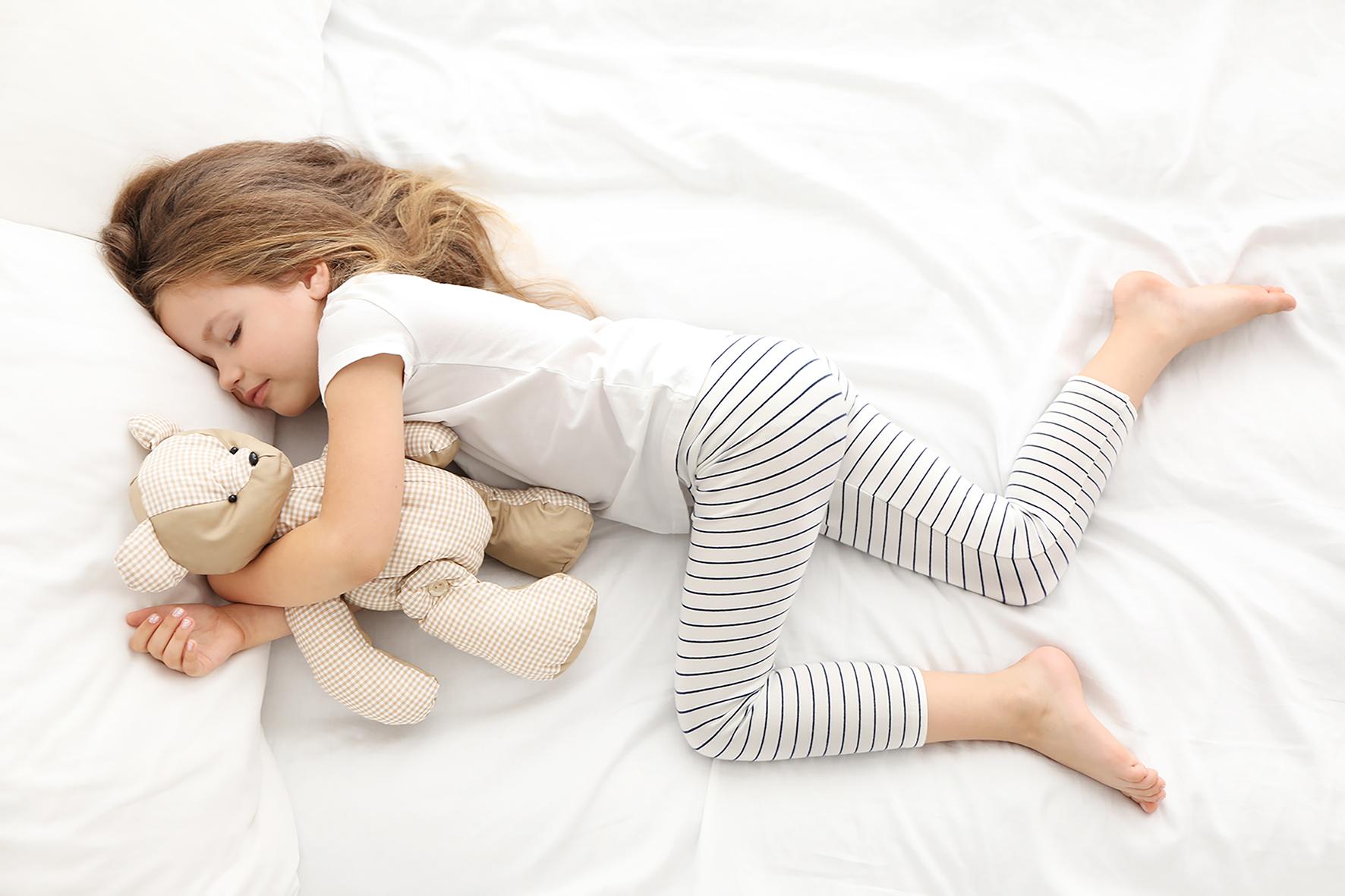 Sådan hjælper du dit barn til at falde i søvn